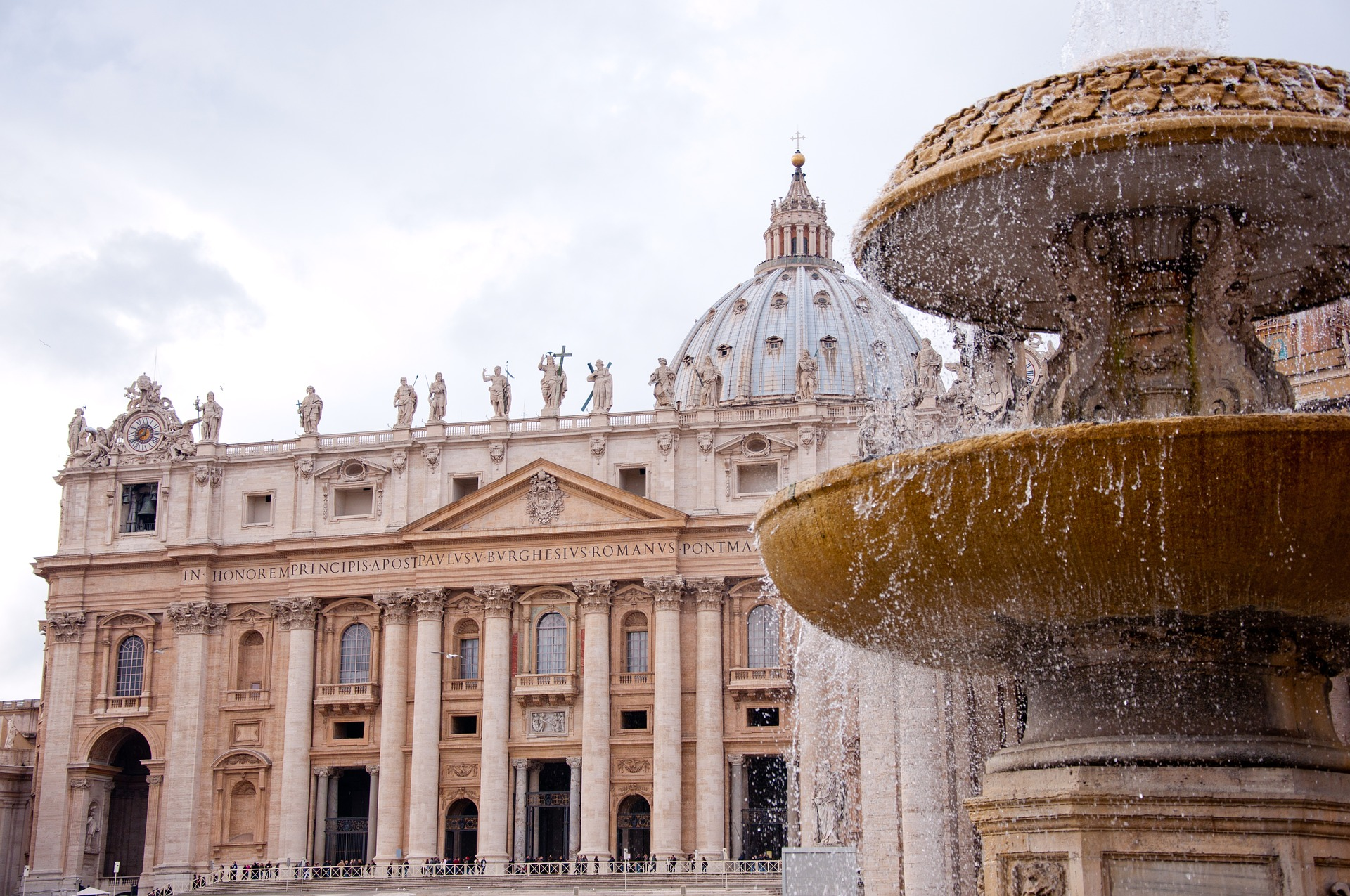 st-peters-basilica-2875093_1920