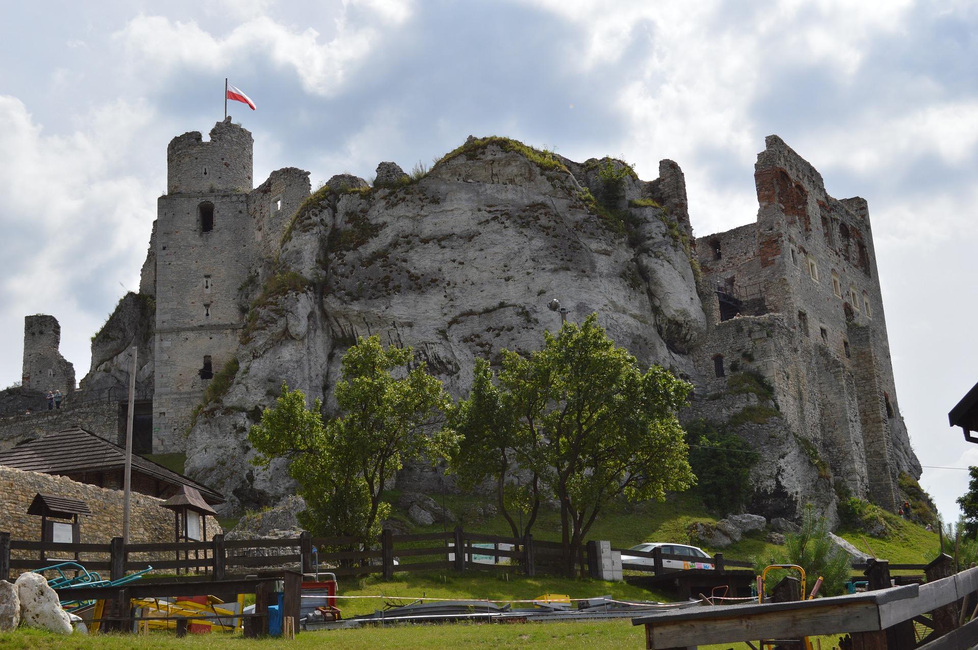castle-2729317_1920