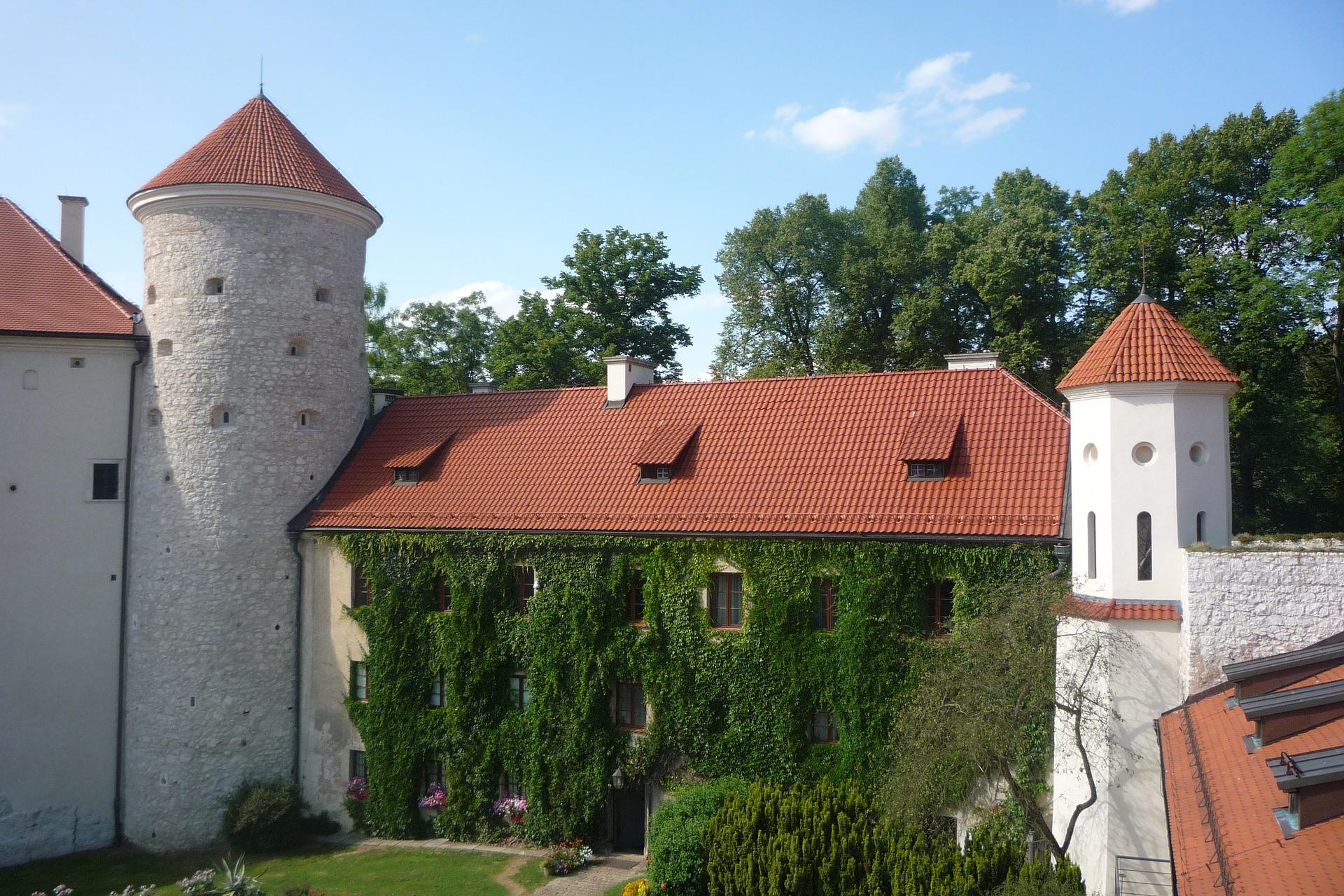 pieskowa-skaa-castle-3388405_1920