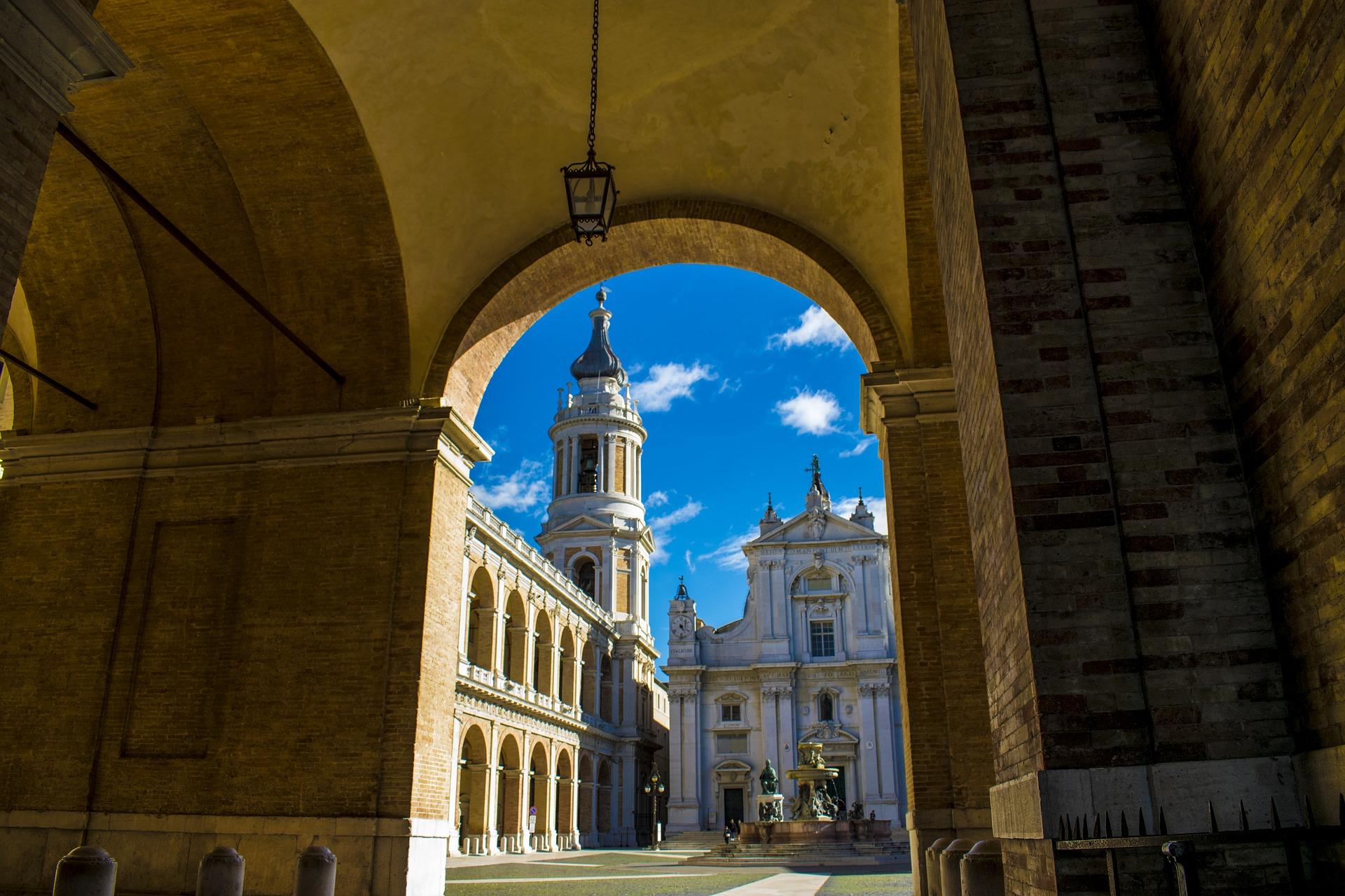 the-basilica-of-loreto-2884628_1920